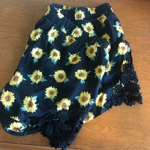 F21 | Flowy Sunflower Shorts